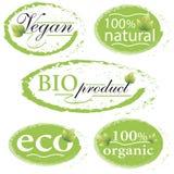 Verde, eco, etiquetas bio y orgánicas y etiquetas engomadas en un backg blanco Foto de archivo
