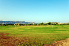 Verde fresco del campo del golf Imagen de archivo libre de regalías
