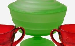 Verde helado y cristalería roja de rubíes Fotografía de archivo