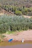 Verde rzeki kajaki i krajobraz Zdjęcia Stock