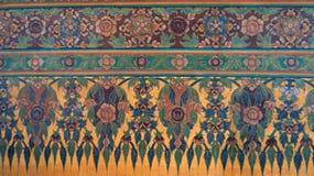 Verde y oro del ornamento de las flores imagen de archivo