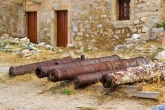 Verdedigingskanonnen in Fortezza-Kasteel, Rethymno, Kreta Royalty-vrije Stock Foto's