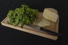 Verdes de nabo y queso del ricotta Imagenes de archivo