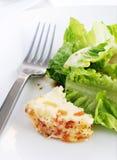 Verdi dell'insalata e formaggio ricco di noci Fotografia Stock Libera da Diritti