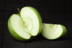 Verdissez la pomme Images stock