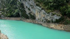 Verdon-Schluchten am See von Sainte stock footage