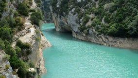 Verdon-Schluchten am See von Sainte stock video footage