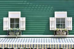 Verdoppeln Fenster der verzierten Architektur Stockbild
