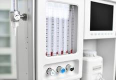 Verdovingsmiddelenmachine en het Geduldige Werkstation van de Controlesysteemanesthesie met de Ventilatie Ademhaling royalty-vrije stock foto