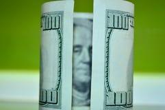 Verdraaide 100 dollarrekening Royalty-vrije Stock Afbeeldingen