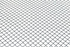 Verdrahteter Zaun auf weißem Hintergrund Stockbilder