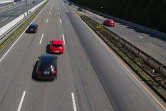 Verdringende auto die op een Duitse autobahn lopen Royalty-vrije Stock Foto