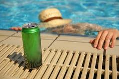 Verdrinkende gedronken mens stock foto's
