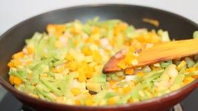 Verdura che cucina fondo stock footage