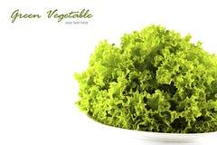 Verdura de ensalada verde en el fondo blanco Fotos de archivo