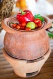 Verdura fresca sulla zolla Fotografie Stock