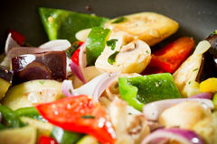 Verdura fresca in una vaschetta Immagine Stock Libera da Diritti