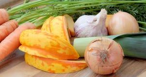 Verduras como ingredientes preparados para cocinar Foto de archivo libre de regalías