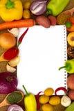 Verduras con el papel para las notas Fotos de archivo libres de regalías