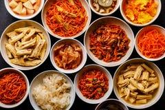 Verduras conservadas en vinagre comida coreana y ensaladas calientes foto de archivo