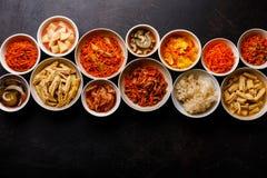 Verduras conservadas en vinagre comida coreana y ensaladas calientes foto de archivo libre de regalías