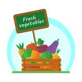 Verduras en caja Imagen de archivo libre de regalías