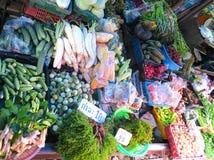 Verduras en el mercado ferroviario cerca de Bangkok Fotografía de archivo libre de regalías