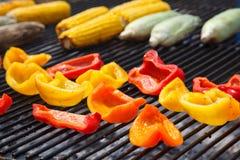 Verduras en la parrilla sobre de pocas calorías para prepararse Fotografía de archivo