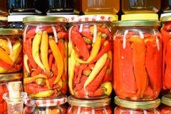 Verduras en los tarros de cristal Fotografía de archivo libre de regalías