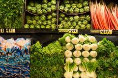 Verduras en mercado de producción Imagenes de archivo