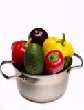 Verduras en una cacerola Imagen de archivo libre de regalías