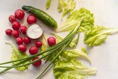 Verduras en una tabla Fotos de archivo libres de regalías