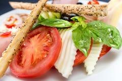 Verduras frescas de la comida sana y ensalada de la carne Imágenes de archivo libres de regalías