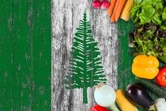 Verduras frescas de la isla de Norfolk en la tabla Cocinar concepto en fondo de madera de la bandera fotografía de archivo