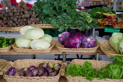 Verduras frescas en el mercado Imagenes de archivo