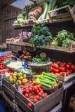 Verduras frescas en el mercado callejero Florencia, Italia Imagen de archivo