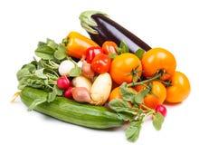 Verduras frescas en un fondo blanco Imagen de archivo
