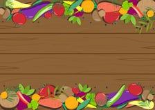 Verduras frescas en un tomate de madera de la tabla, marco, patatas Imagenes de archivo