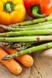 Verduras frescas en una cocina del país Imágenes de archivo libres de regalías
