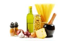 Verduras frescas, especia y petróleo imagen de archivo libre de regalías