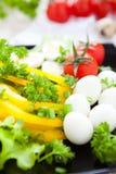 Verduras frescas y huevos de codornices foto de archivo libre de regalías