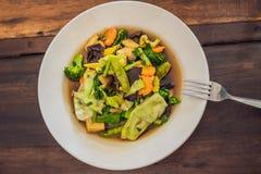 Verduras guisadas con el plato del Balinese del queso de soja lifestyle fotos de archivo libres de regalías