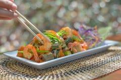 Verduras mezcladas con el camarón Fotos de archivo libres de regalías