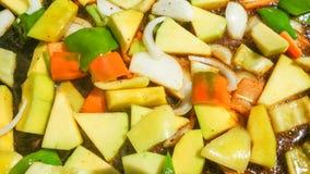 Verduras mezcladas en barbacoa fotos de archivo