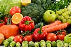 Verduras orgánicas crudas clasificadas Fotos de archivo libres de regalías