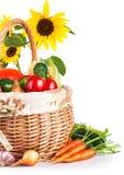 Verduras otoñales de la cosecha en cesta fotografía de archivo libre de regalías