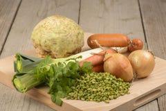 Verduras para la sopa de guisantes verde Fotografía de archivo