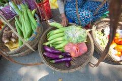 Verduras para la venta en el mercado en Hoi An Foto de archivo