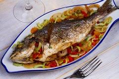 Verduras - pescados rellenos fotografía de archivo