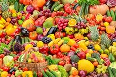 Verduras sabrosas frescas y frutas del collage grande fotografía de archivo